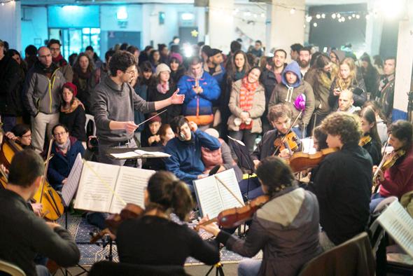 """תזמורת הרחוב הירושלמית, אחת החברות בבר־קיימא. המנצח עידו שפיטלניק: """"בתוך שנה הפעילות שלנו גדלה פי שלושה"""""""