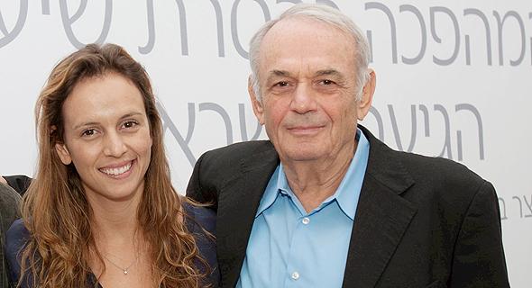מימין שמעון אקהויז ובתו עדי