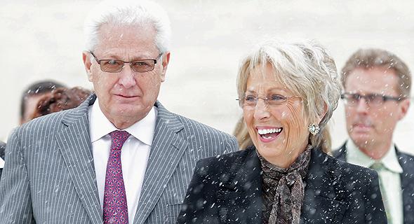 """דיוויד וברברה גרין. """"למדתי לומר 'הכסף כולו שלך, אלוהים, ואני מתכוון לתת לך אותו'"""""""