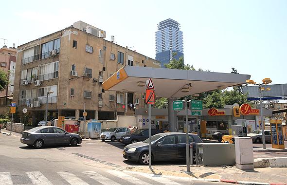 תחנת דלק ברמת גן. מיזמי התחדשות עירונית נעצרו בגלל קרבתם לתחנה