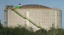 מכל האמוניה במפרץ חיפה, צילום: זהר שחר