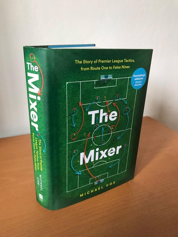 הספר הוא סקירה של האבולוציה הטקטית שעברה הפרמיירליג ומלא באנקדוטות על האנשים שהיו אחראים להפיכתה של הליגה לליגת הכדורגל העשירה בעולם