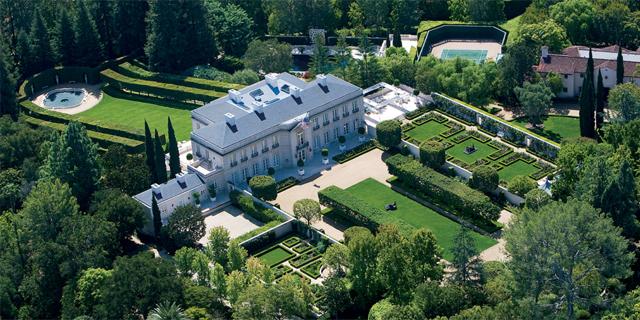 """צפו בתמונות: זהו הבית היקר ביותר בארה""""ב שמוצע למכירה"""