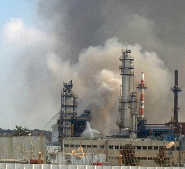 השריפה בבית הזיקוק של פז באשדוד, צילום: איתי מרז, איגוד ערים אשדוד