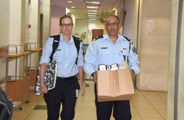 חוקרי להב 433 מגיעים לדיון בהארכת מעצרו של בני שטיינמץ