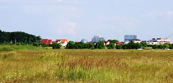 חוות בנאיסה ברומניה, אחת מהקרקעות שהתקבלו במרמה ובשוחד