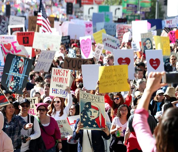 """לוס אנג'לס, 2017. """"צעדת ענק אינה מוכיחה של־Women's March יש השריר שנחוץ כדי לעשות את הדבר הבא"""""""
