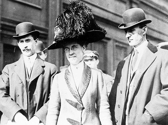מימין: ווילבור, קת'רין ואורוויל