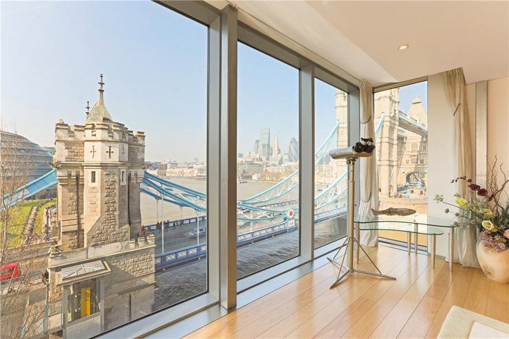 גשר המצודה נשקף מחלונות הדירה, צילום: Knight Frank