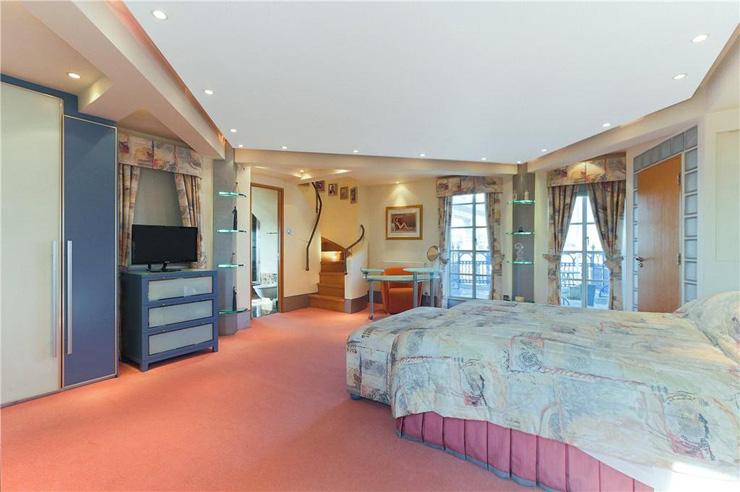 אחד מארבעת חדרי השינה, צילום: Knight Frank