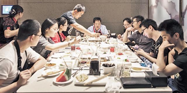 רשתות המזון בסין פונות לשוק הרווקים