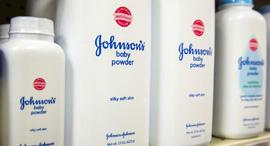 אבקת טלק לתינוקות של ג'ונסון אנד ג'ונסון, צילום: רויטרס