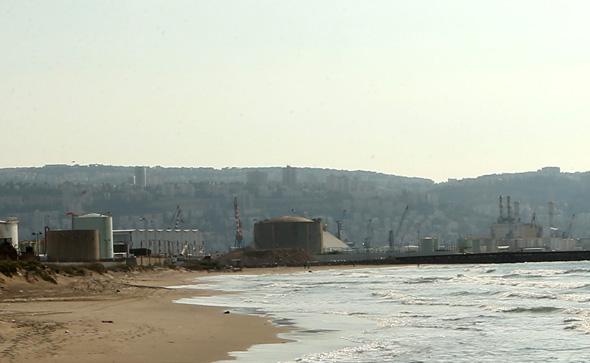מכל האמוניה במפרץ חיפה, צילום: אלעד גרשגורן