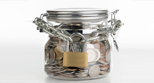 צנצנת חיסכון פנסיה מנעול כסף, צילום: שאטרסטוק