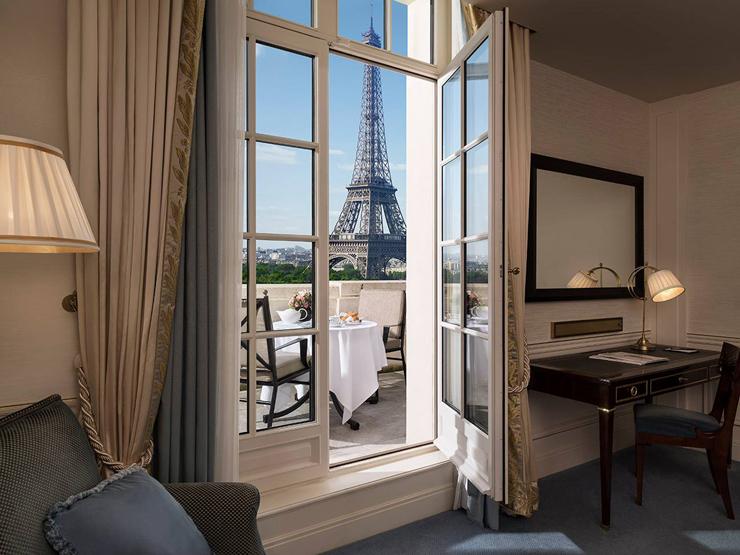מלון Plaza Athnee בפריז