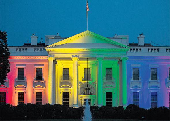 אמריקה הומופובית? הבית הלבן מואר בצבעי הגאווה