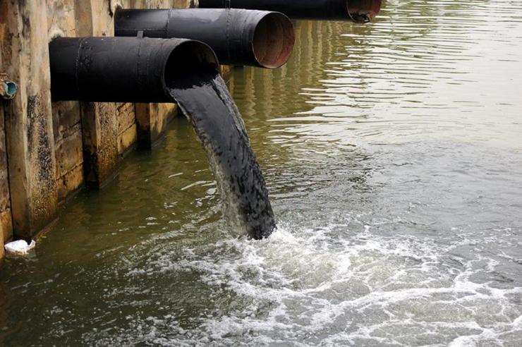 מים מזוהמים בהודו, צילום: Indiatimes