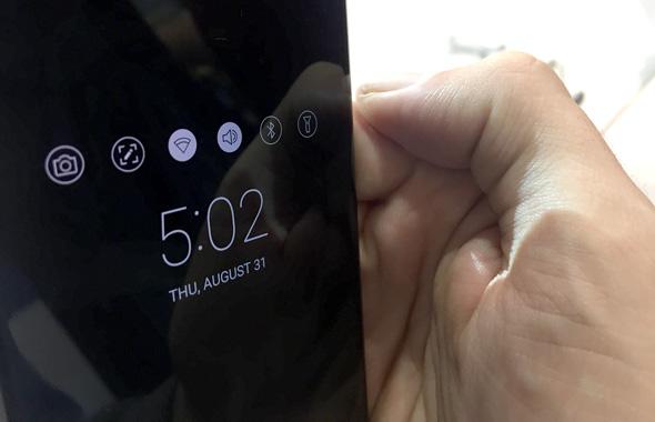 LG V30 פאבלט 4, צילום: עומר כביר