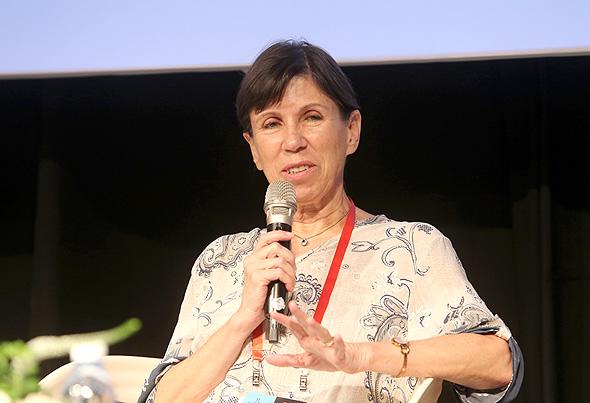 פרופ׳ אורנה בלונדהיים מנהלת בית החולים העמק