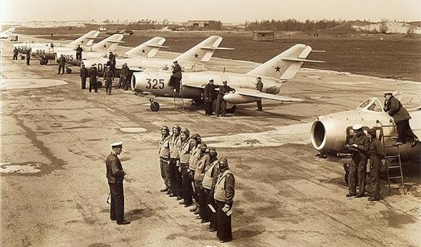 ליין מטוסי מיג 15