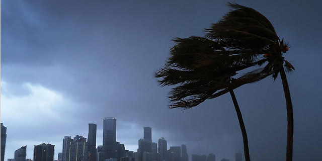 הוריקן אירמה מכה בפלורידה: לפחות 2.5 מיליון בתים ללא חשמל