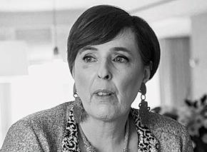 מיה ליקוורניק, עורכת דין, מהבכירות בישראל בתחום המסחרי. בת 61