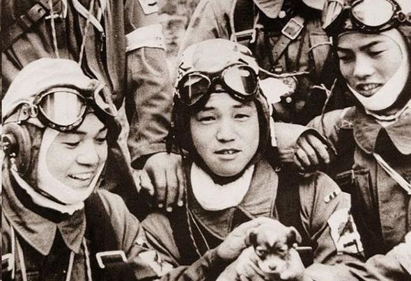 טייסי התאבדות יפניים, אוקינאווה, 1945