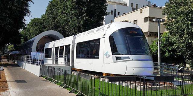 קרון דמה של הרכבת הקלה בתל אביב, צילום: עוזי בלומר
