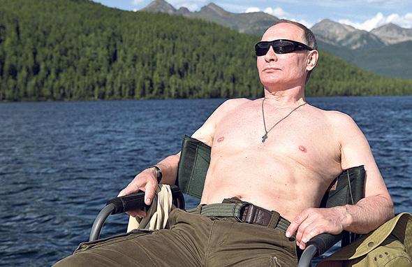 ולדימיר פוטין. נעזר במקלטי מס