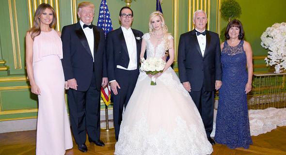 החתונה של סטיבן מנוצ'ין ולינטון, בהשתתפות הנשיא, סגנו ונשותיהן