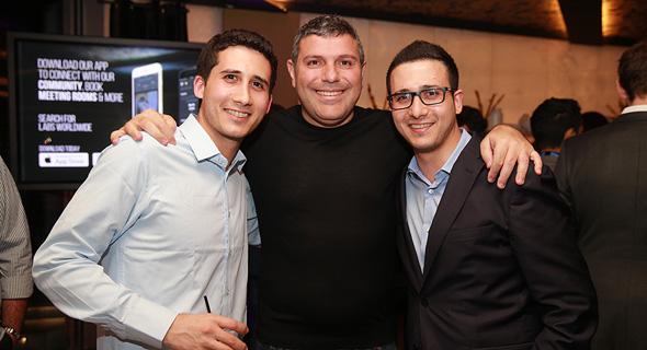 אלעד אבן חן ואחיו משמאל באמצע טדי שגיא , צילום: אוראל כהן
