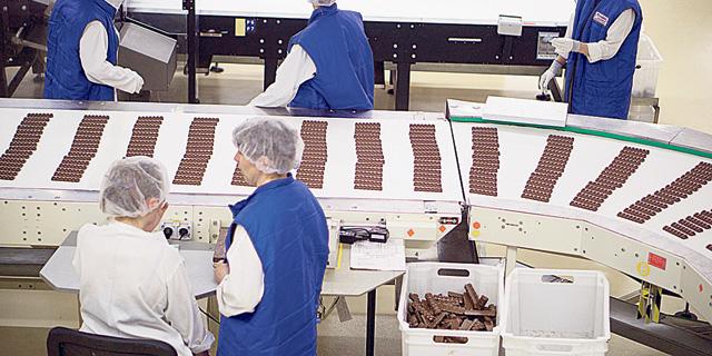"""""""ענקיות המזון מוכרות מוצרים נחותים במדינות מזרח אירופה"""""""