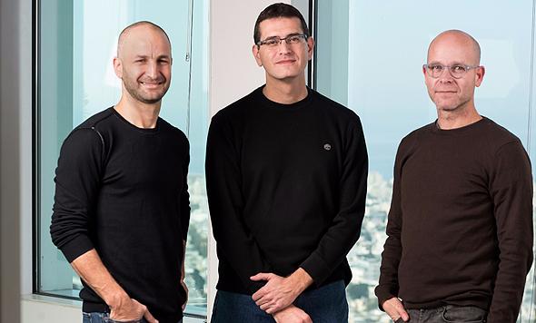 מייסדי גיגיה. מימין: אייל מגן, ערן קוטנר ורולי אליעזרוב, צילום: שי בן נפתלי