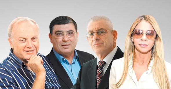"""מימין: מארגנת קבוצת הרכישה ענבל אור ושלושה חברים מהקבוצה: עו""""ד נחום פיינברג, דוד פולק ואשר גרינבאום"""
