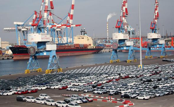 מכוניות חדשות בנמל אשדוד, צילום: אוראל כהן
