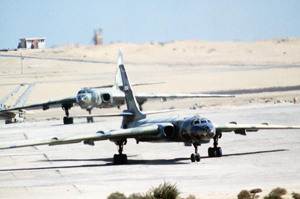 מפציצי טופולב 16 של מצרים נערכים להמראה, צילום: War Thunder