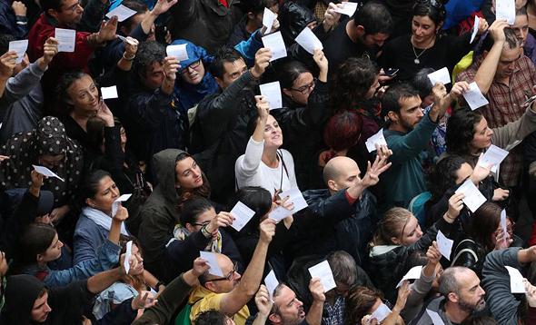 העימותים בברצלונה, צילום: רויטרס