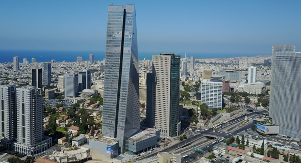 Azrieli Sarona Tower in Tel Aviv