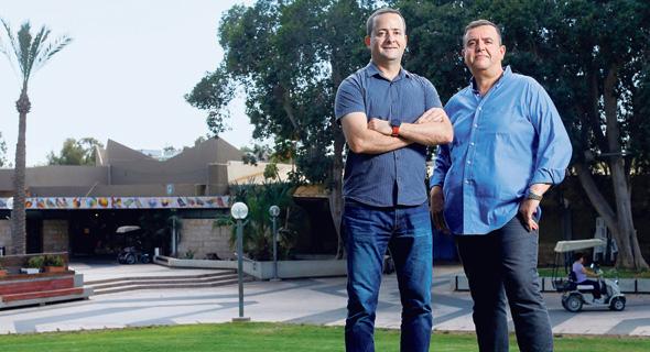 """בן סימון (מימין) וברקאי. """"היינו צריכים להסביר לגופים שהתעניינו בנטפים שאנחנו כמו כל חברת השקעות"""""""