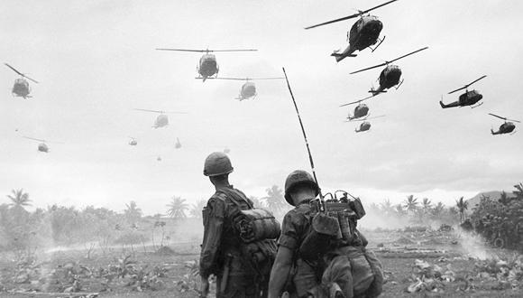 מסוקים אמריקאיים חוזרים מהפצצה במלחמת וייטנאם, צילום: גטי אימג'ס