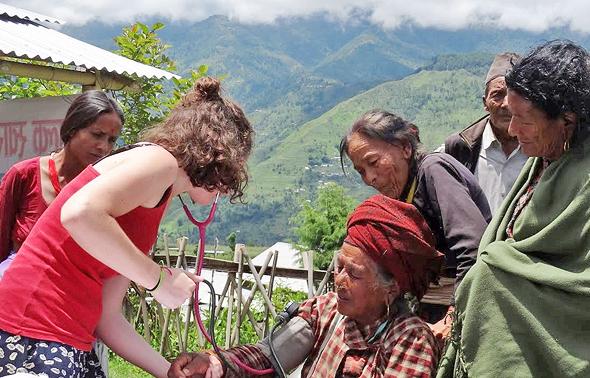 נפאל. 10.10.17 EHN Nepal ארגון שעוסק בחינות ובריאות באזורים מרוחקים