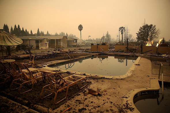 אתר נופש שנחרב בקליפורניה