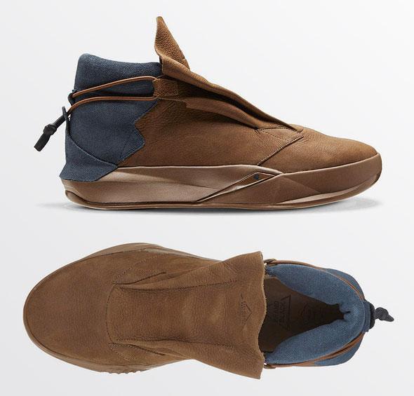 נעלי Brand Black. קולקציה עם הומור. מחיר: 140 דולר