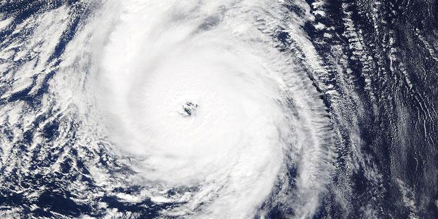 ההוריקן המזרחי ביותר זה עשרות שנים: הוריקן אופליה בדרך להכות באירלנד