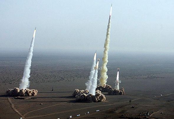 תרגול של שיגור מספר טילים בליסטיים