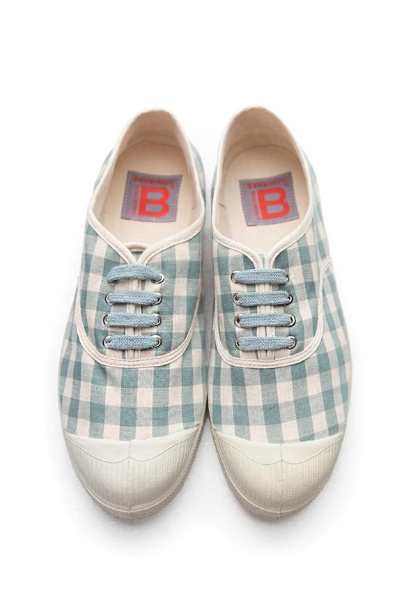 נעלי הטניס של Bensimon. במחיר של 99 שקל, צילום: HICHEM DAHES, JEAN POLAR