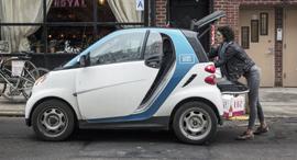 מכונית דיימלר סמארט car2go השכרת רכב ניו יורק, צילום: בלומברג
