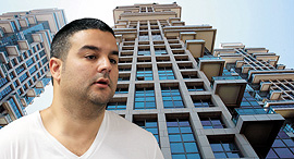 אורן קובי בעלים של חברת אדמה על רקע מגדלי אקירוב תל אביב, צילום: עמית שעל, אוראל כהן