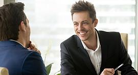 בדיחה משא ומתן ראיון עבודה, צילום: שאטרסטוק