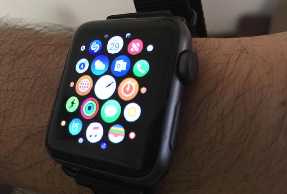 אפל ווטש 3 שעון חכם מחשוב לביש 5, צילום: עומר כביר